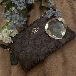 AUTHENTIC COACH Corner-Zip Wristlet
